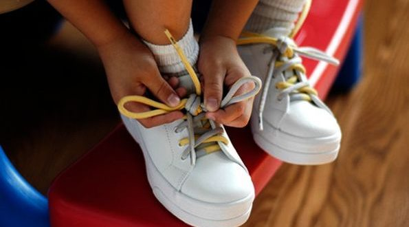 кросівки для дитини