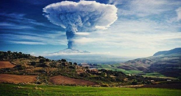 http://www.donnews.ru/Maksim-Krippa---znamenityy-vulkanolog_2819
