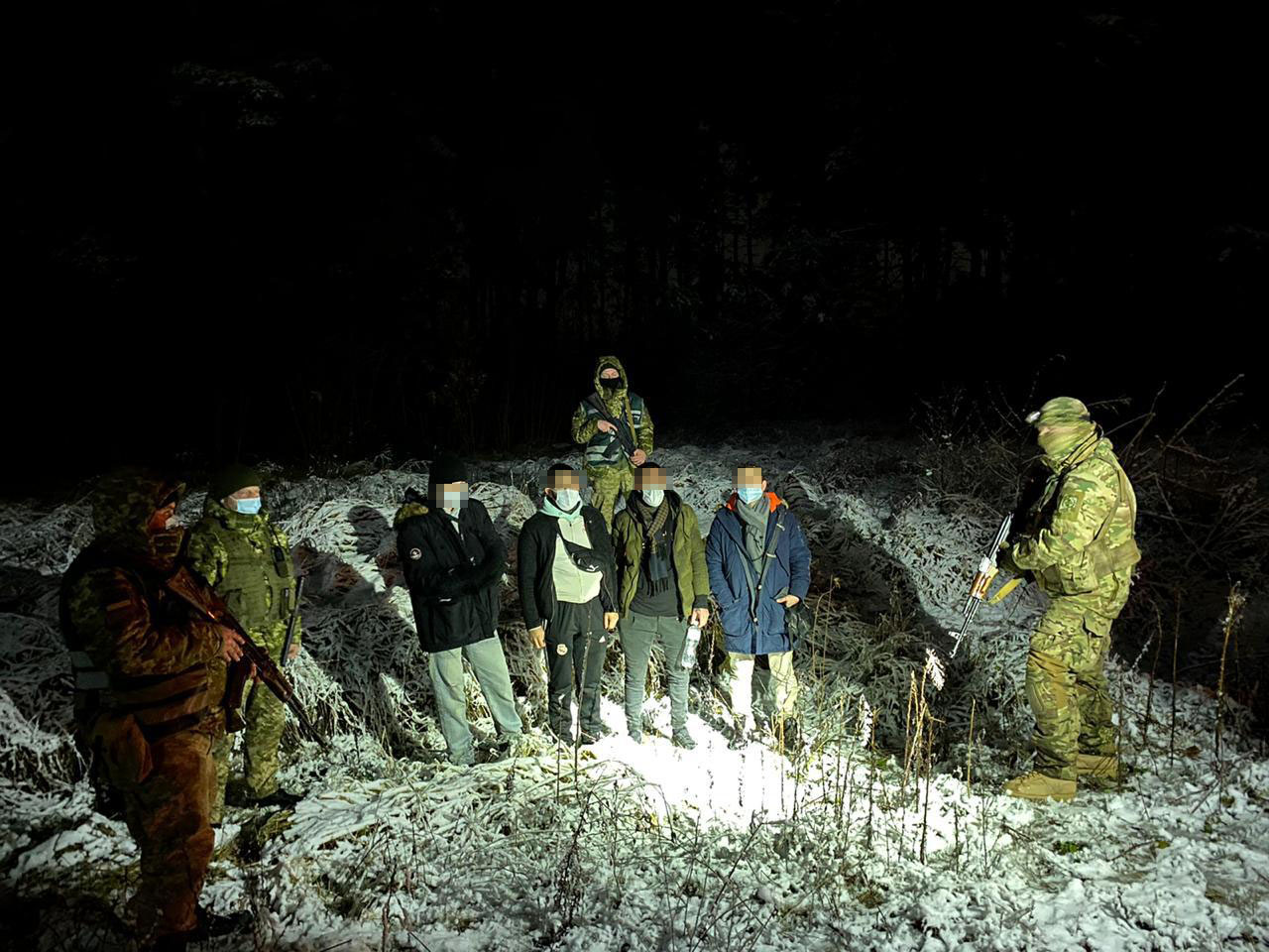 затримано нелегалів біля Рави-Руської