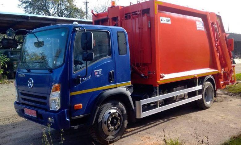 сміттєвоз з заднім завантаженням типу АТ 4021 на шасі DAYUN CGC1120