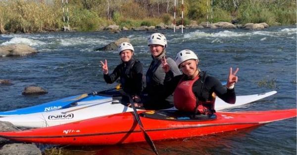 26-річна Анастасія Горлова, 17-річна Олександра Горлова та 16-річна Валентина Горлова
