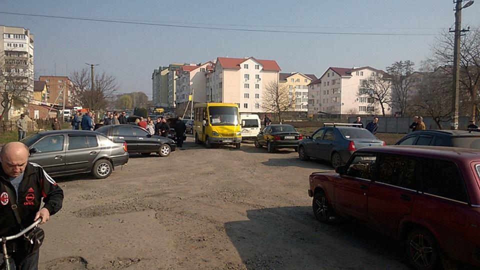в Сокалі блокували дорогу через поганий стан покриття