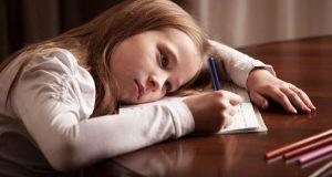 письмовий стіл для дитини