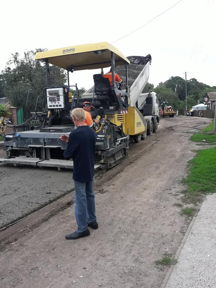 ремонт дороги в Тартакові