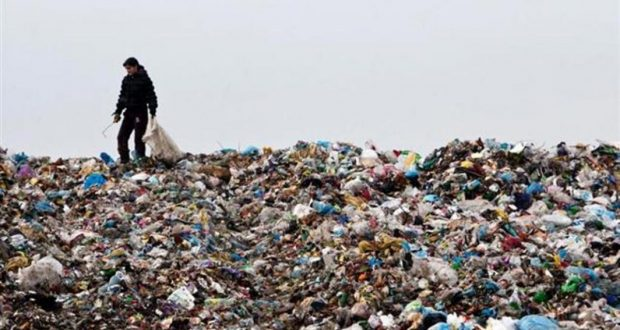 в Тартакові завезено сміття