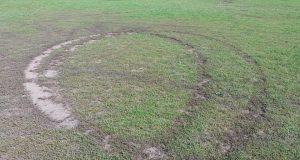 у Великих Мостах пошкодили футбольне поле
